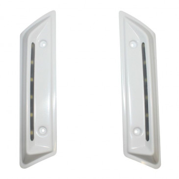 FRONT SIDE COVER FOR SCOOT BCD WITH LEDS FOR MBK 50 BOOSTER 2004>/YAMAHA 50 BWS 2004> - WHITE (PAIR) -CLEAR ICE LIGHT 6000K, , WATERPROOF - L150xl10xH3mm-
